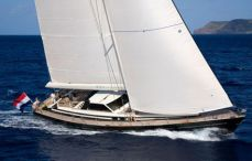 LUXURY_SAILING_YACHT_CHARTER